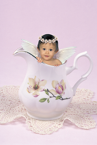 Isabella, Little Angel Hiding